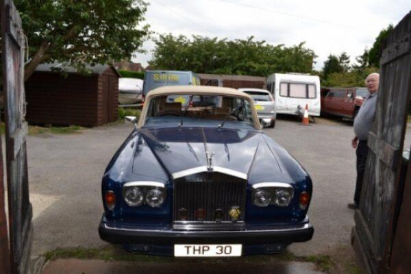 classic-car-windscreen-01