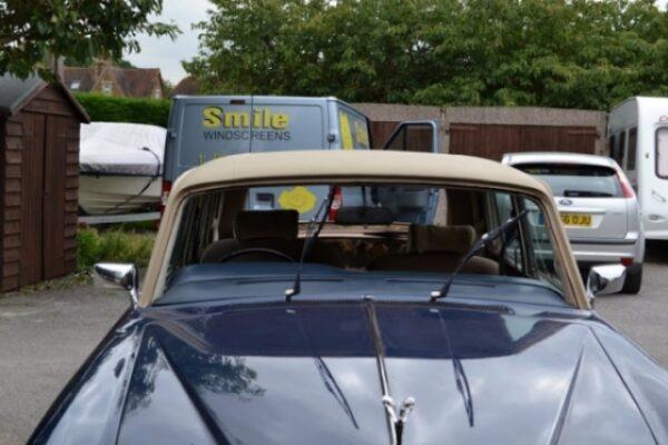 classic-car-windscreen-02