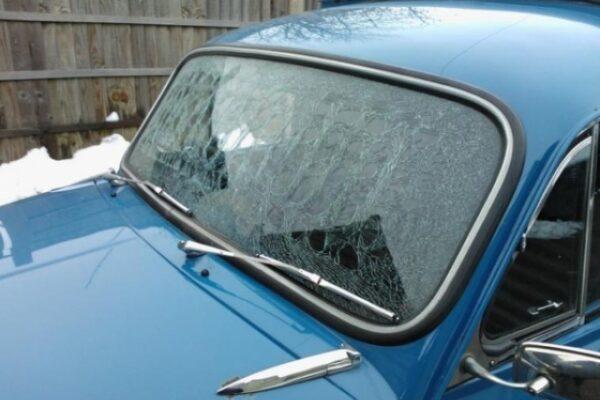 classic-car-windscreen-03