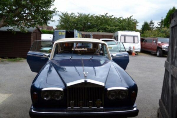 classic-car-windscreen-10
