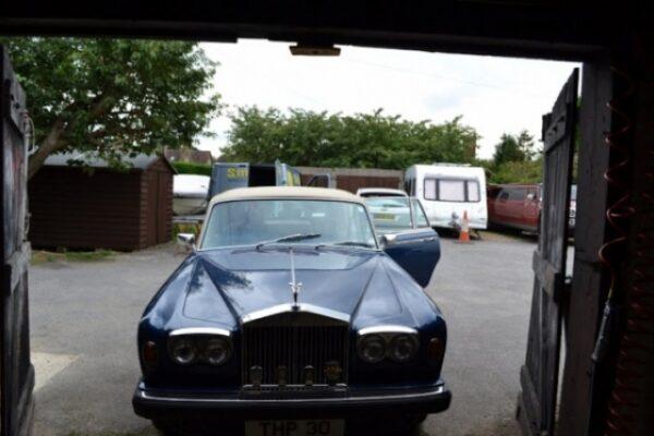 classic-car-windscreen-11