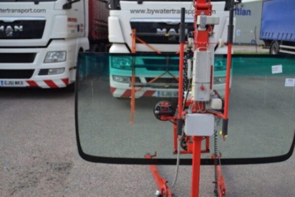 truck-windscreen-03